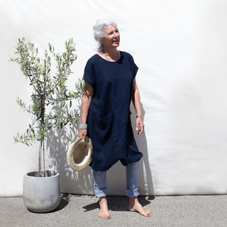 Ettie linen dress in Navy
