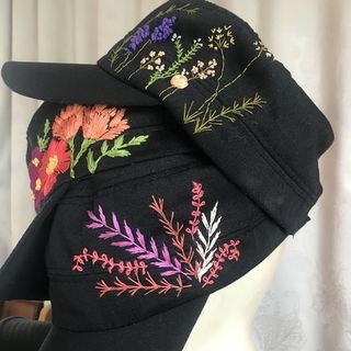 Cap with hand embroidery