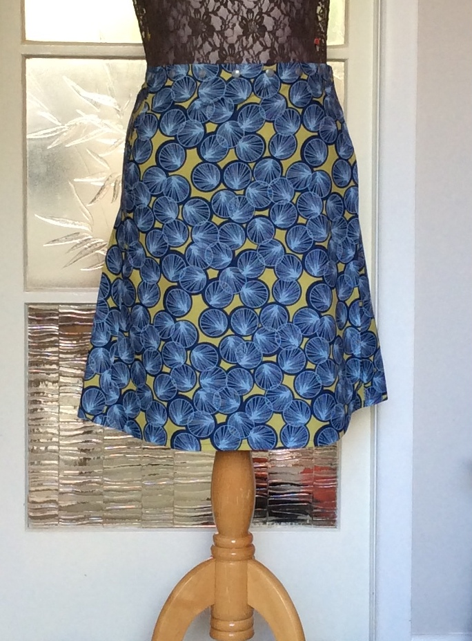 Snap wrap skirt in Lily pads