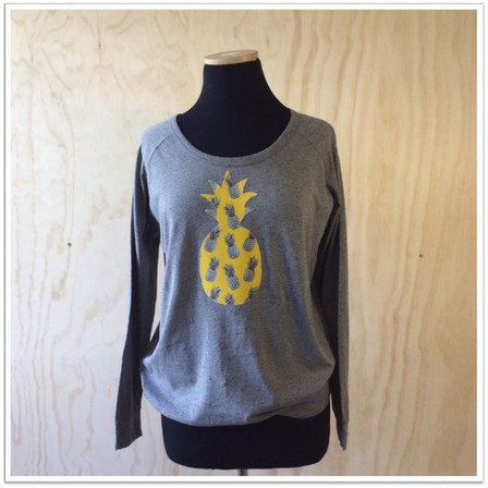 Slouchy grey pineapple top